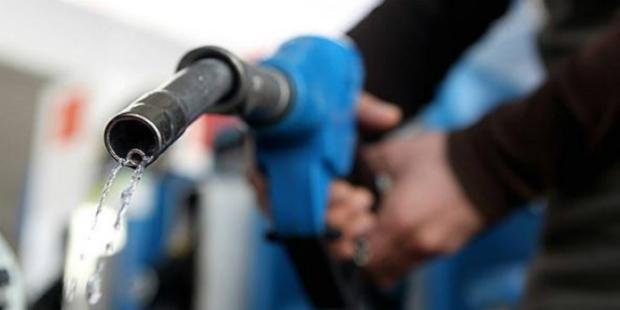 Gasolina vai aumentar até final do ano, diz ministro