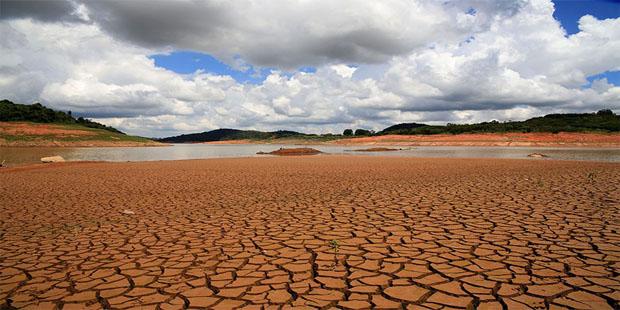 Projetos regulam o abastecimento de água por fontes alternativas