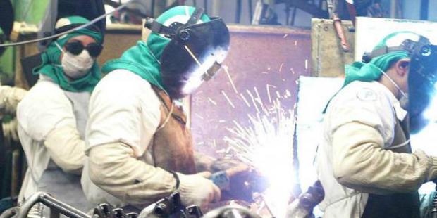 Produção industrial avança 0,7% em agosto deste ano