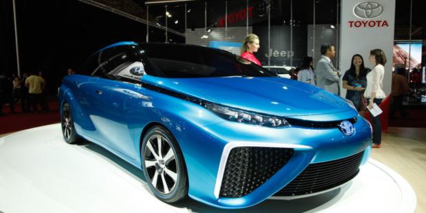 Toyota divulga data de lançamento do primeiro carro movido a hidrogênio
