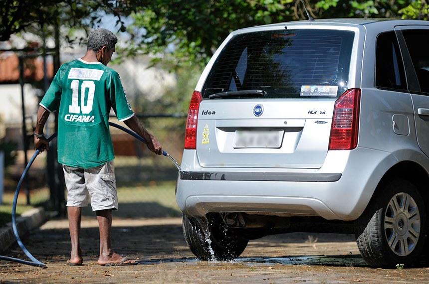 Brasil desperdiça quase 40% de sua água tratada em rede de distribuição falha