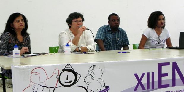 XII Eneds: estudantes e professores questionam a não neutralidade científica