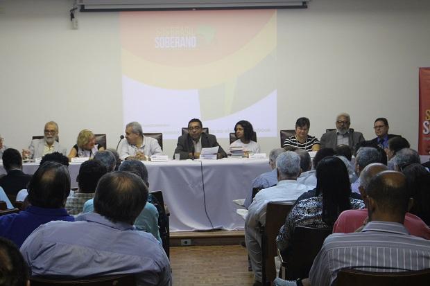 II Simpósio discute como desenvolver o país e promover a igualdade