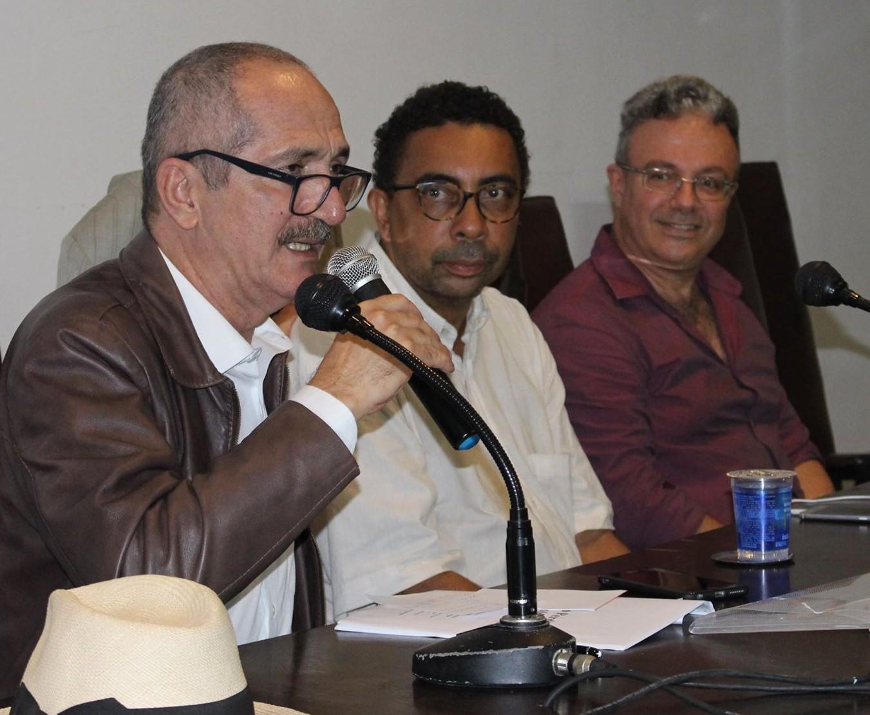 Em palestra, ex-ministro Aldo Rebelo afirma que retomada do desenvolvimento é a agenda capaz de unir o país