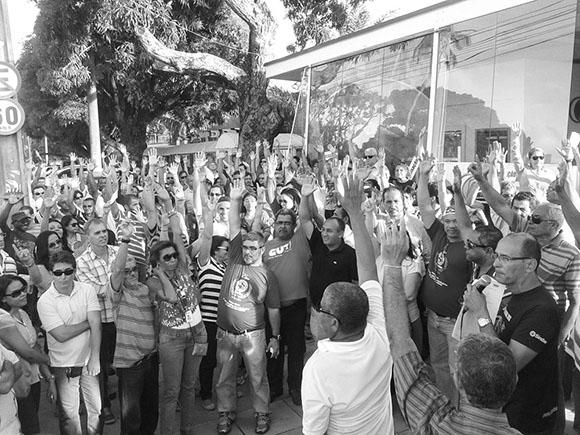 Após mobilização de entidades, governo Rui Costa recua sobre a Reforma Administrativa