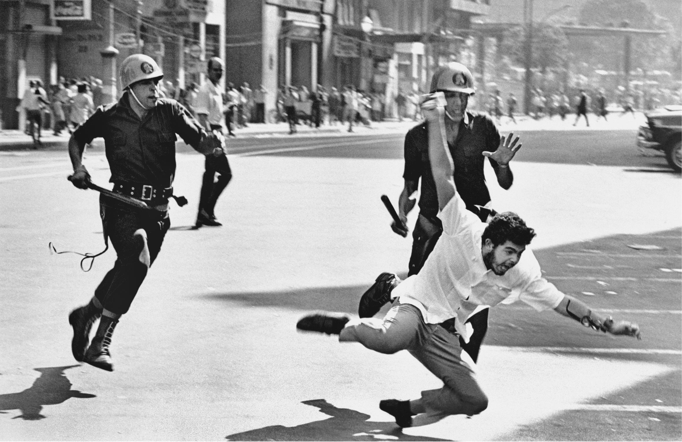 Artigo I A crise do populismo e o Golpe de 1964