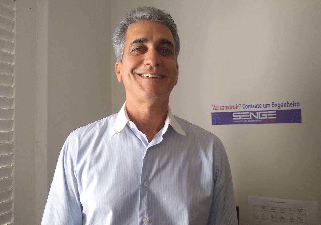 """Entrevista I """"Perder a Eletrobrás é uma transferência de soberania"""", afirma deputado Robinson Almeida"""